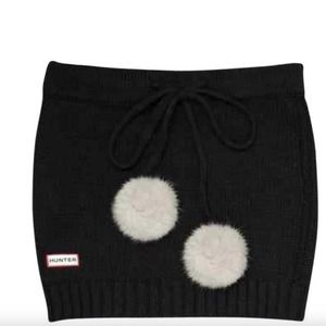 Hunter Pom Pom Wool Cashmere Blend Neck Warmer